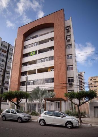 Vende-se Apartamento no Bairro Cocó Próximo Center Box - Foto 3