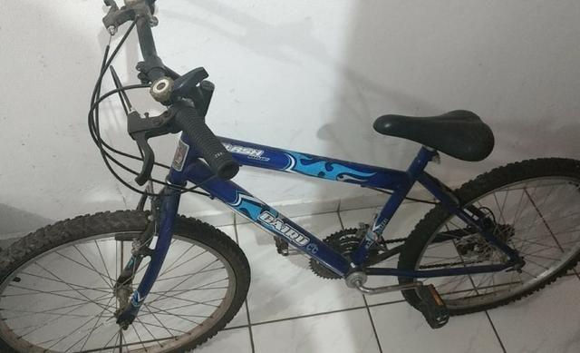 Vendo ou troco bicicleta Caloi quase nunca usada (leia a descrição) R$190,00 - Foto 4