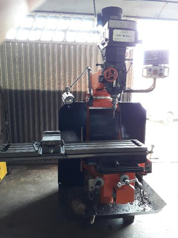 Vendo ou troco Torno Nardini ND250 e Fresa ferramenteira Timemaster 4KVME - Foto 6