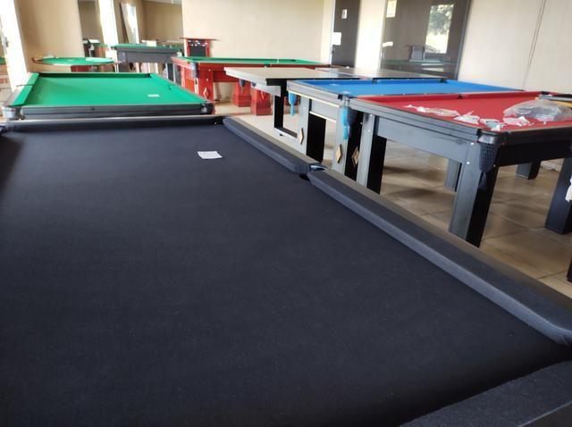 Troco mesa Sinuca Residencial/Pebolim/Ping pong Por Carro ou Moto - Foto 2