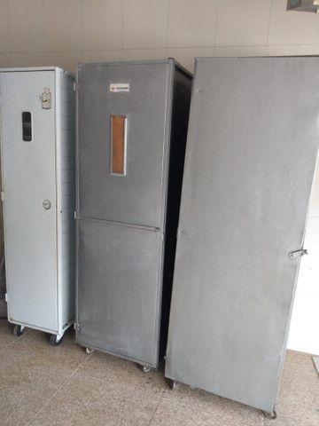 Três armários/fatiador/balcão de carne