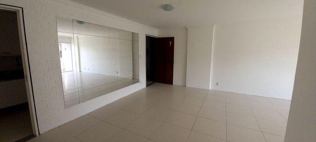 Apartamento na Ponta Verde (Edf.Eça De Queiroz) Oportunidade - Foto 16