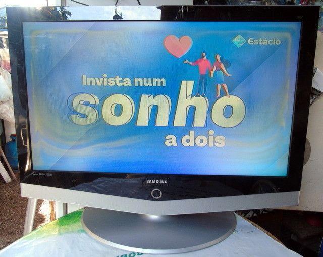 Samsung Tv Lcd 40 Polegadas com Mancha Na Tela - Foto 2