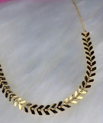 Choker Escama Folheada Dourada - Foto 2