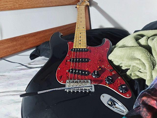 Guitarra c pedaleira de brinde - Foto 3