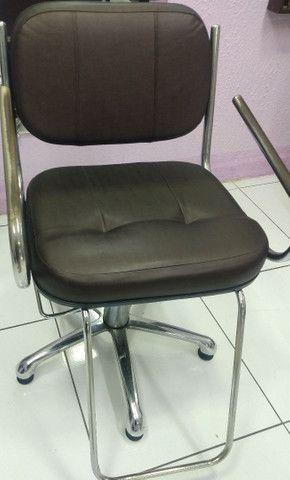 2 cadeira para salão, cadeira de espera 4 lugares, balcão  - Foto 4