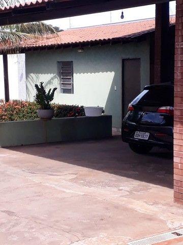 Linda Casa Bairro Amambai  com  Piscina  - Foto 14