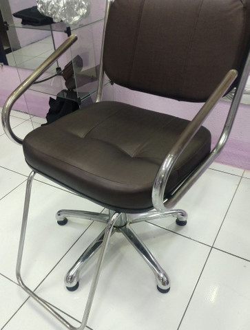 2 cadeira para salão, cadeira de espera 4 lugares, balcão  - Foto 3