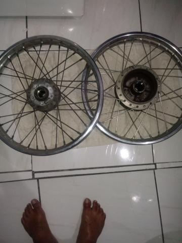 4e01bbbad7 V t em bicicleta em bom estado da fan com freio a disco na dianteira
