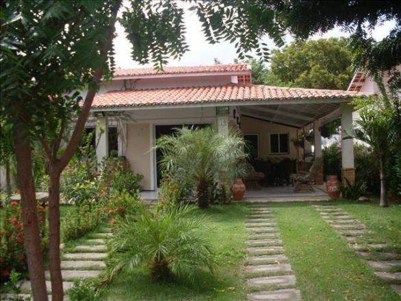 Casa com 3 dormitórios à venda, 150 m² por R$ 400.000 - Jacunda - Aquiraz/CE