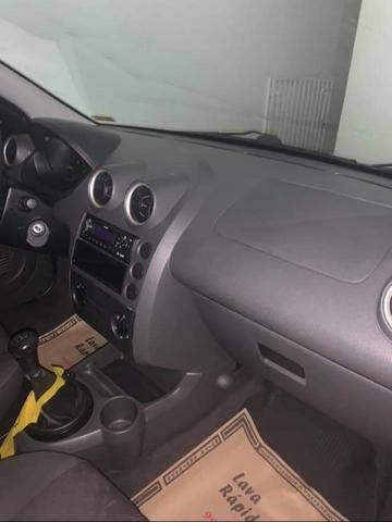Fiesta hatch 2007 1.0 básico - Foto 7