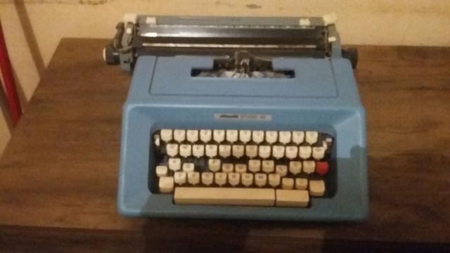 Máquina de escrever e simulador de caminhada e relógio - Foto 4