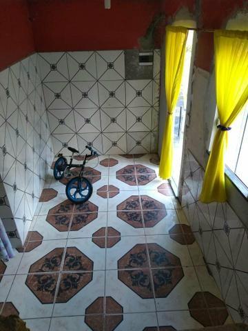 Vende-se uma casa no bairro da cachoerinha prox:av.silves - Foto 4