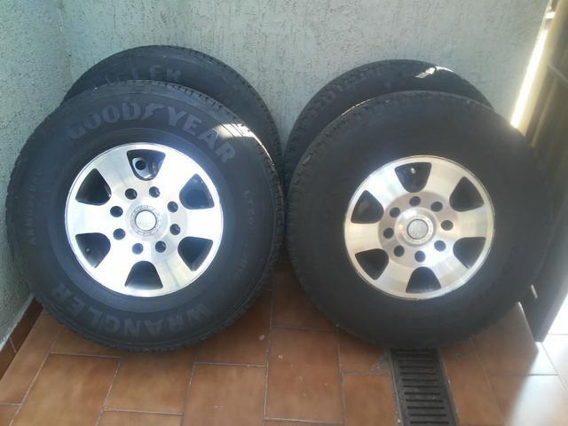 Rodas f250 com pneus goodyear - Foto 8