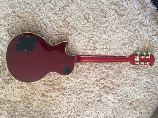 Guitarra Epiphone Les Paul Custom com case - Foto 4
