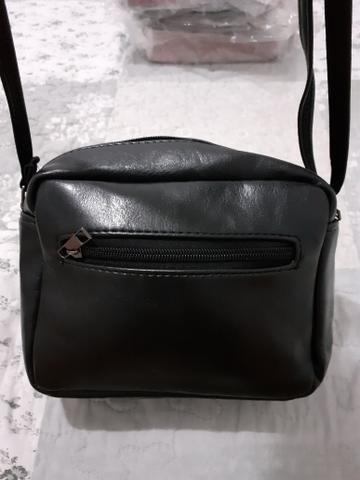 Pequena bolsa lateral - Preta - Foto 2