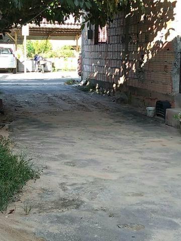 Vende-se uma casa no bairro da cachoerinha prox:av.silves - Foto 2