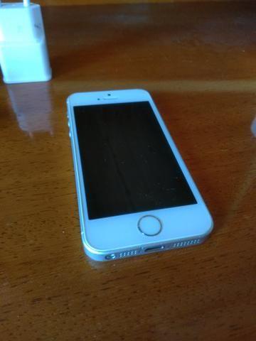 IPhone SE Silver + fone Beats
