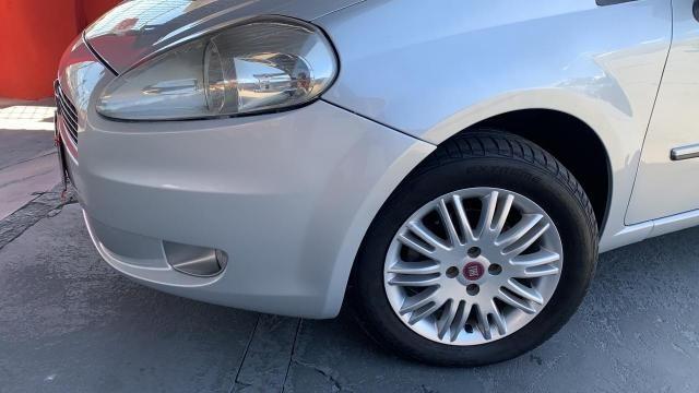 Fiat Punto ESSENCE 1.6 FLEX 4P - Foto 18