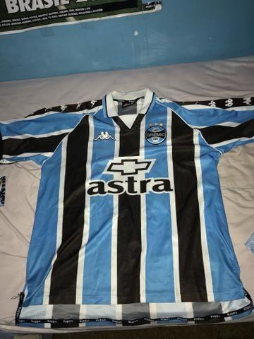 23c3057997 Troco camisa antiga do Grêmio campeão da libertadores 95 e kappa 2000