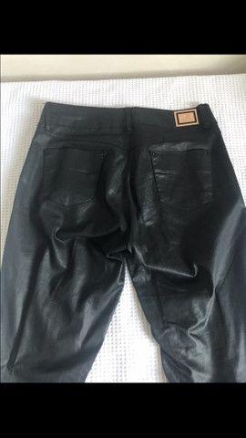 Calça preta jeans de couro  - Foto 3