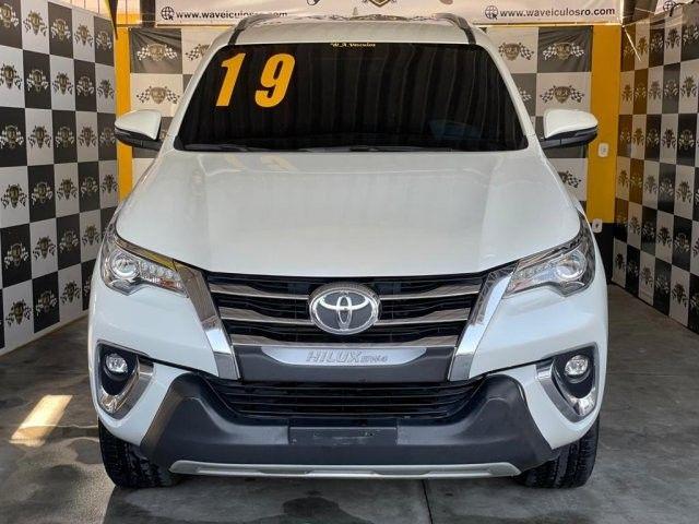 Toyota hilux sw4 2019 2.8 srx 4x4 7 lugares 16v turbo intercooler diesel 4p automÁtico - Foto 3
