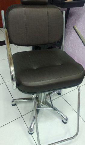 2 cadeira para salão, cadeira de espera 4 lugares, balcão  - Foto 2