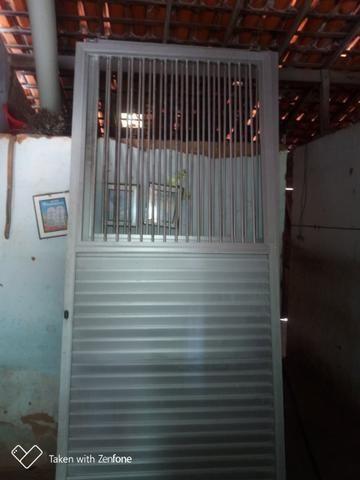 Vendo Portão de alumínio duas folhas - Foto 2