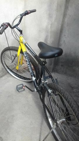 Bicicleta com marcha / aro 26