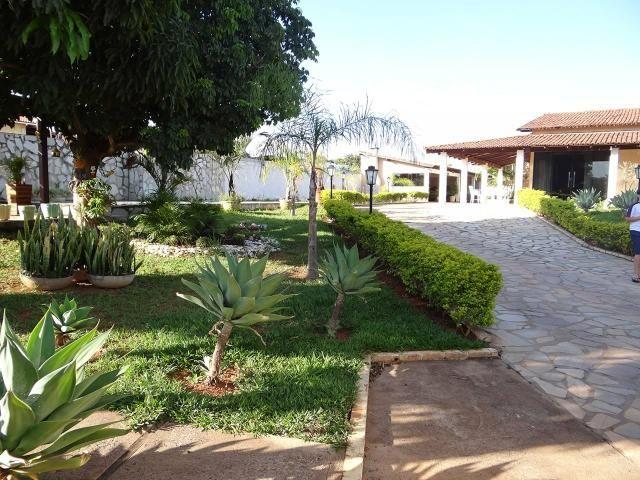 Arniqueiras QD 04 Casa 4 qts 3 suítes lazer lote 2.287m pode dividir em vários lotes - Foto 4