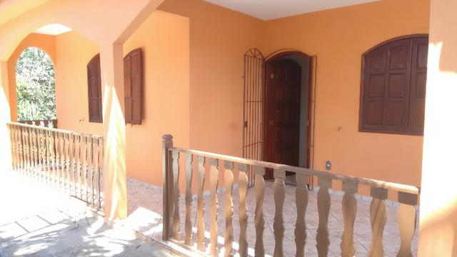 Aluga-se Casa Bem Arejada e de 2 quartos em São Pedro da Aldeia