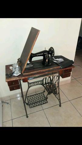 Maquina de costura reliquia
