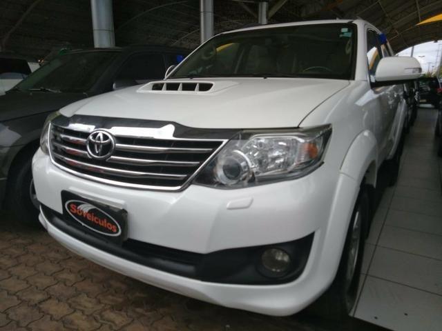 Toyota Hilux SW4 2013