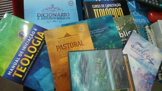 Kite de livros de teológia