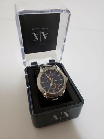 Relógio Armani Exchange fundo azul - Foto 2