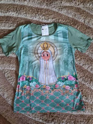 Vendo roupas com estampas religiosas - Foto 6