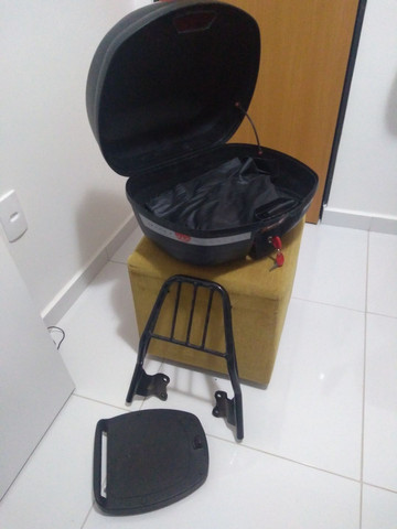 Kit bagageiro e baú givi + brinde capa de chuva Feminina