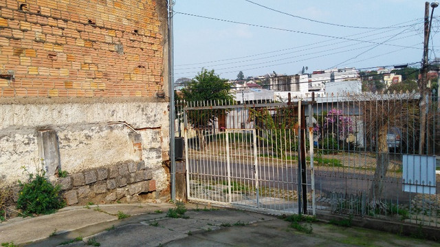 Duas Casas 4 dormitórios frente 2 Ruas estac 8 carros Junto Planalto - Foto 18