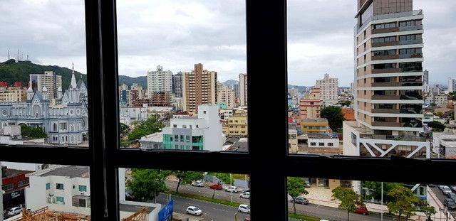Excelente Sala Comercial Mobiliada, com 1 Vaga, no centro! - Foto 12