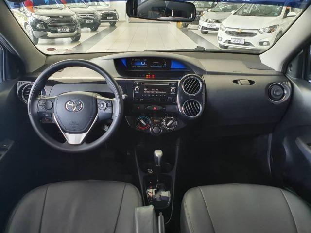 Toyota Etios XS 1.5 Flex 16V 5p Aut. Prata - Foto 5