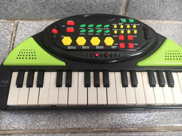 Brinquedo Pianinho Eletrônico Varias Funções - Foto 2