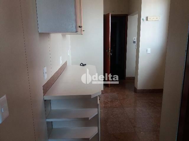 Apartamento com 3 dormitórios para alugar, 200 m² por R$ 2.500,00 - Centro - Uberlândia/MG - Foto 6