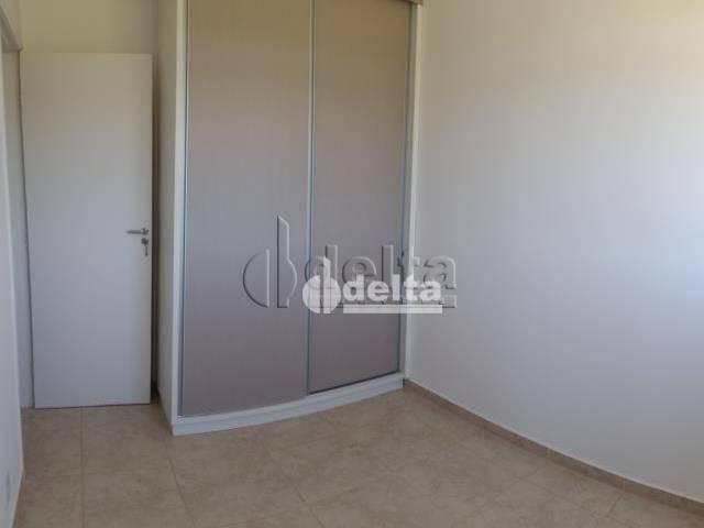Apartamento com 3 dormitórios à venda, 60 m² por R$ 180.000,00 - Shopping Park - Uberlândi - Foto 2
