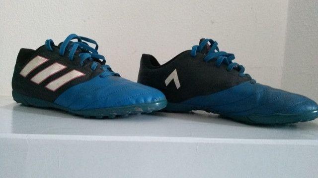 Chuteira Adidas Society ace 17.4 usada azul e preta, infantil numero 35