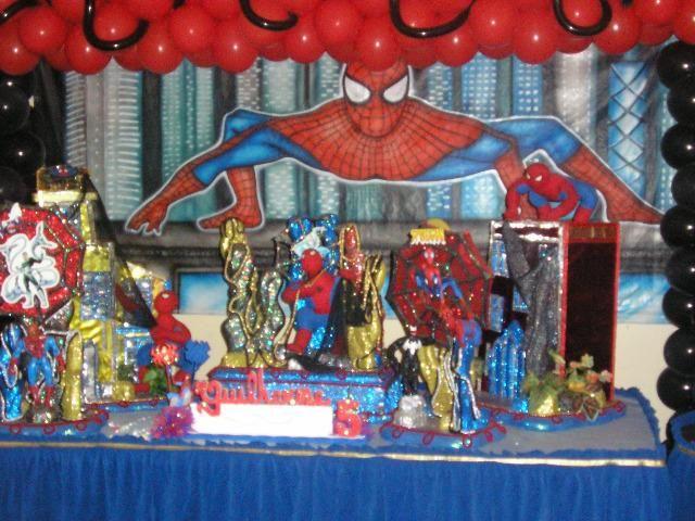 Spider-Man - Festa temática com peças decorativas do personagem do Homem Aranha