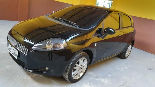 Fiat Punto 1.4 versão italy modelo 2012
