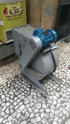 Exaustor de fumaça industrial