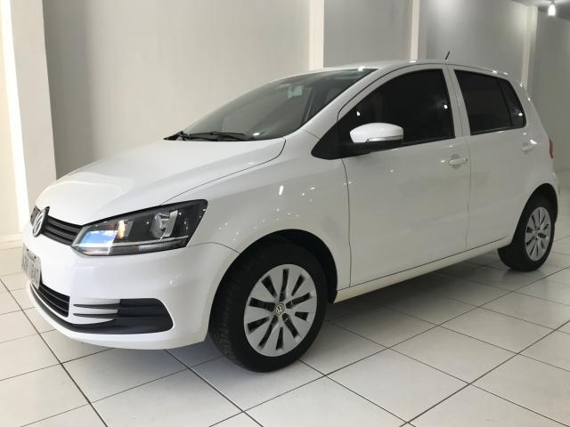 VOLKSWAGEN FOX 2014/2015 1.0 MI TRENDLINE 8V FLEX 4P MANUAL - Foto 2