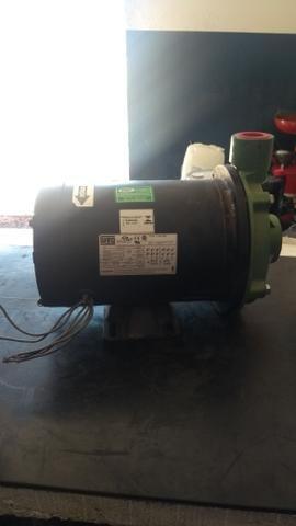 Vendo bomba d'água trifásica - Foto 2