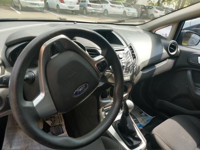 Vendo New Fiesta Sedan 2013 modelo 2014 - Foto 5